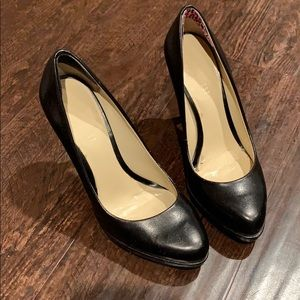 """Size 5 Nine West, 4"""" heel in good used condition"""